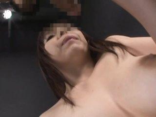 Sexy Oriental MILF Anmi Hasegawa Gives Amazing Blowjob
