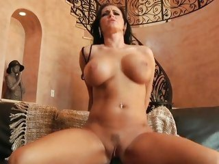 Jenna Presley uses her wet muff to milk a cock