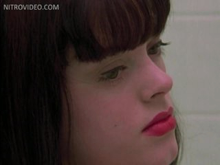 Sensual Rose McGowan Exposes Her Heart-Stopping Round Knockers