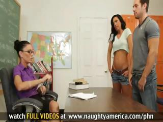 Jessica Jaymes and Tiffany Brookes Have Hot 3some With Guy