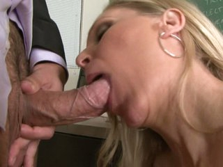 Slutty bawd Julia Ann loving her man's beam badgering her slippy mouth