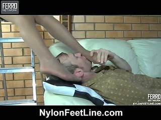 Ophelia&Peter nylon feet action