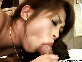 Hawt Oriental Gal Gets Creamed All Over Her Sexy Lips