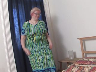 big mama wiske loves her own massive milkers