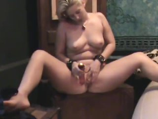 Curvy natural blond gets off on toying vagina