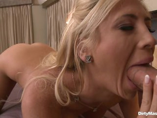 Red hot babe Tasha Reign slurps on this skin flute